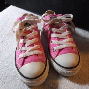 PINK CONVERSE  **NEW W/OUT TAGS**